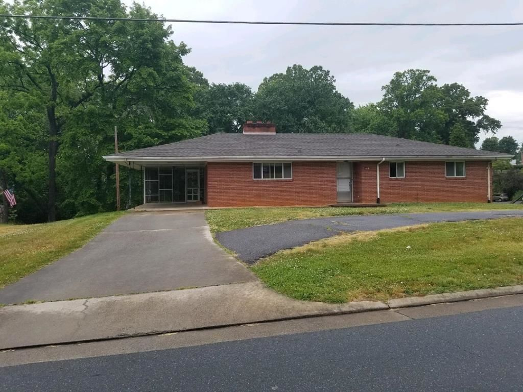 House In Collinsville