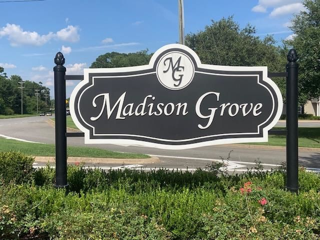 Lot In Madison Grove