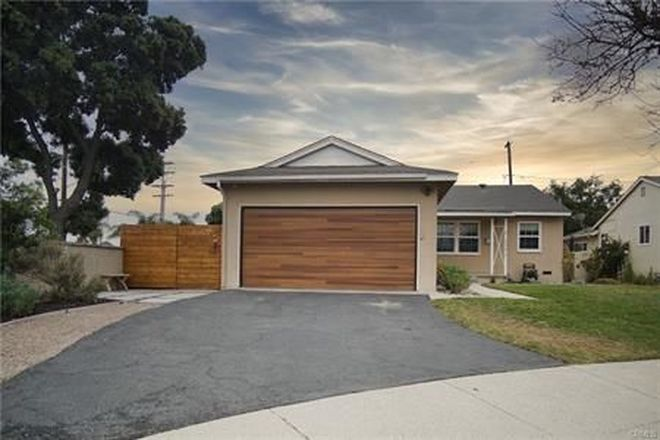 Upgraded 3-Bedroom House In Lakewood Estates
