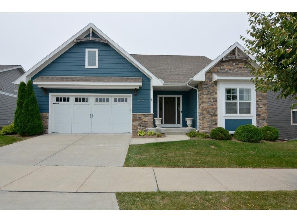 Upgraded 4-Bedroom House In Middleton