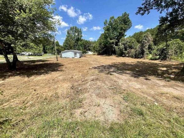 1-Story Mobile Home In Woodruff