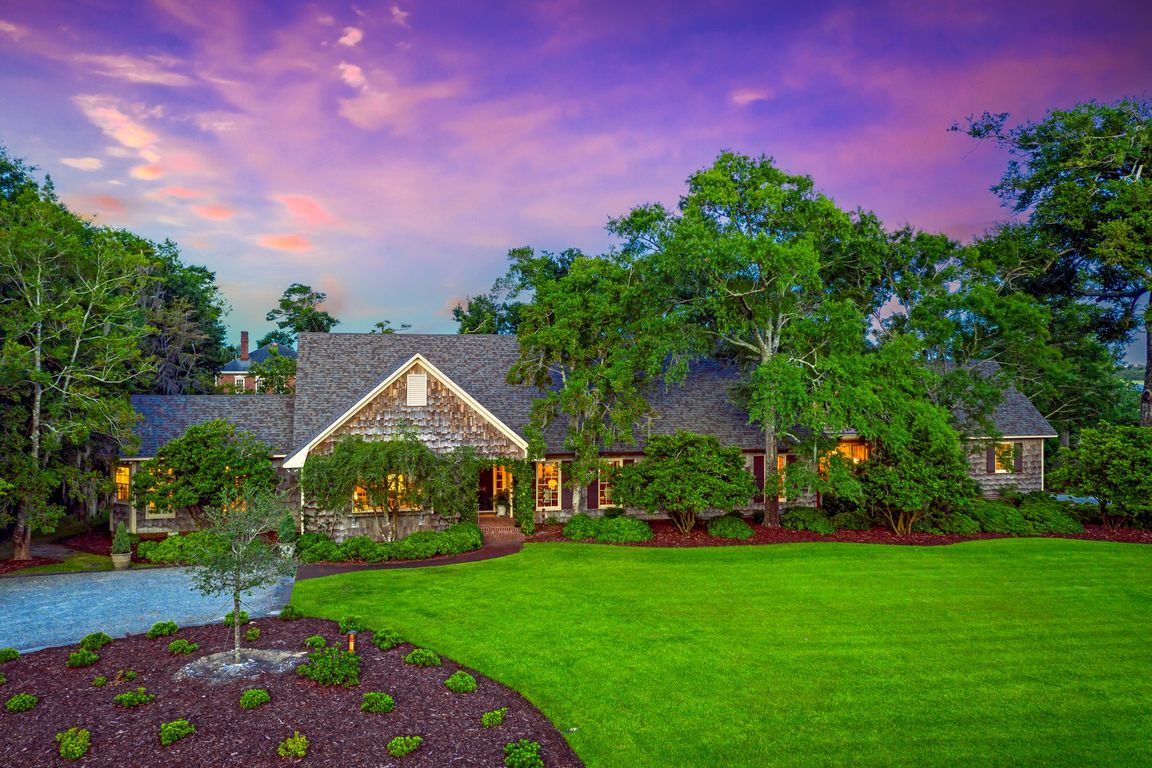Luxurious 4-Bedroom House In Wrightville Sound