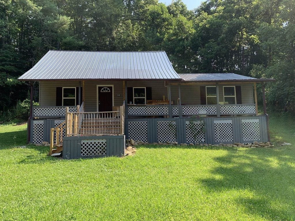 Renovated 2-Bedroom House In Duffield