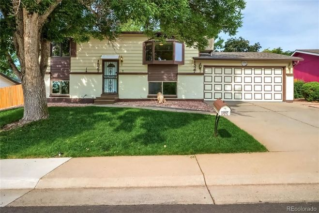 Updated 4-Bedroom House In West Lochwood