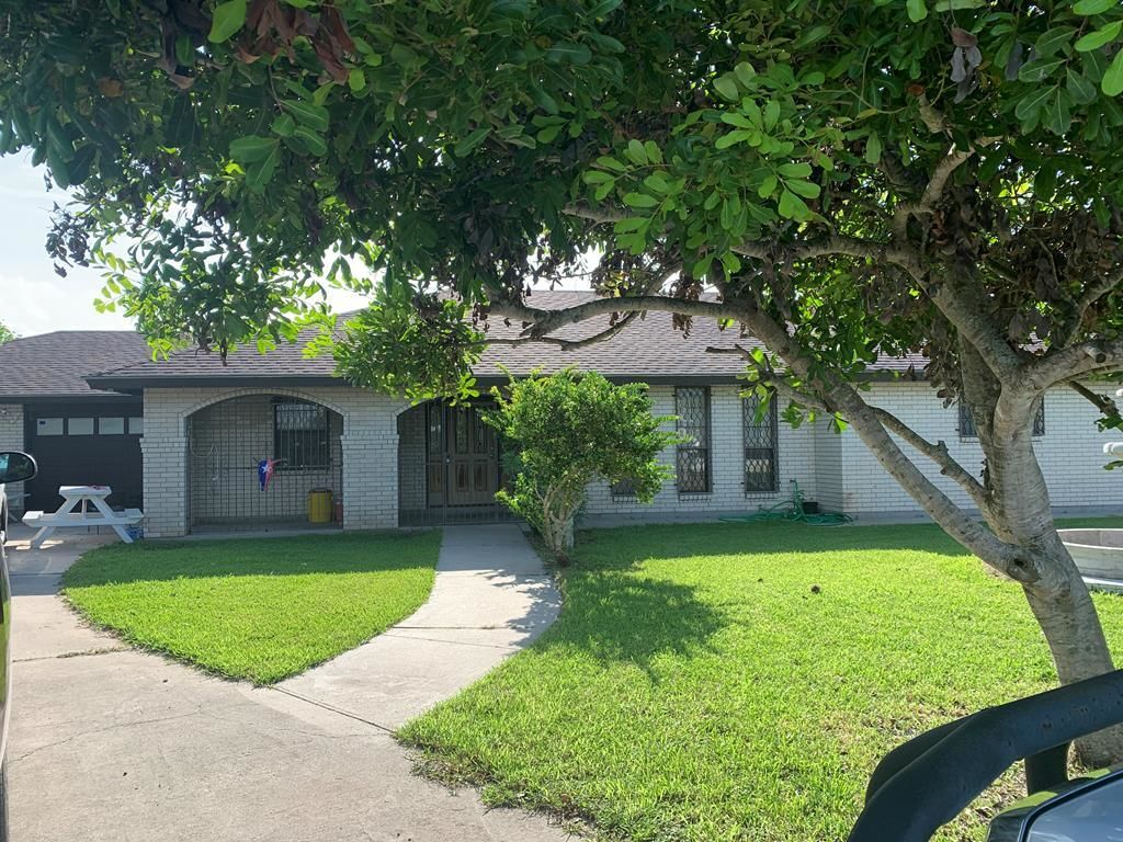 2-Story Multi-Family Home In Brownsville