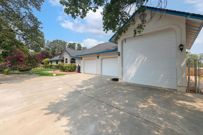Remodeled 3-Bedroom House In Red Bluff