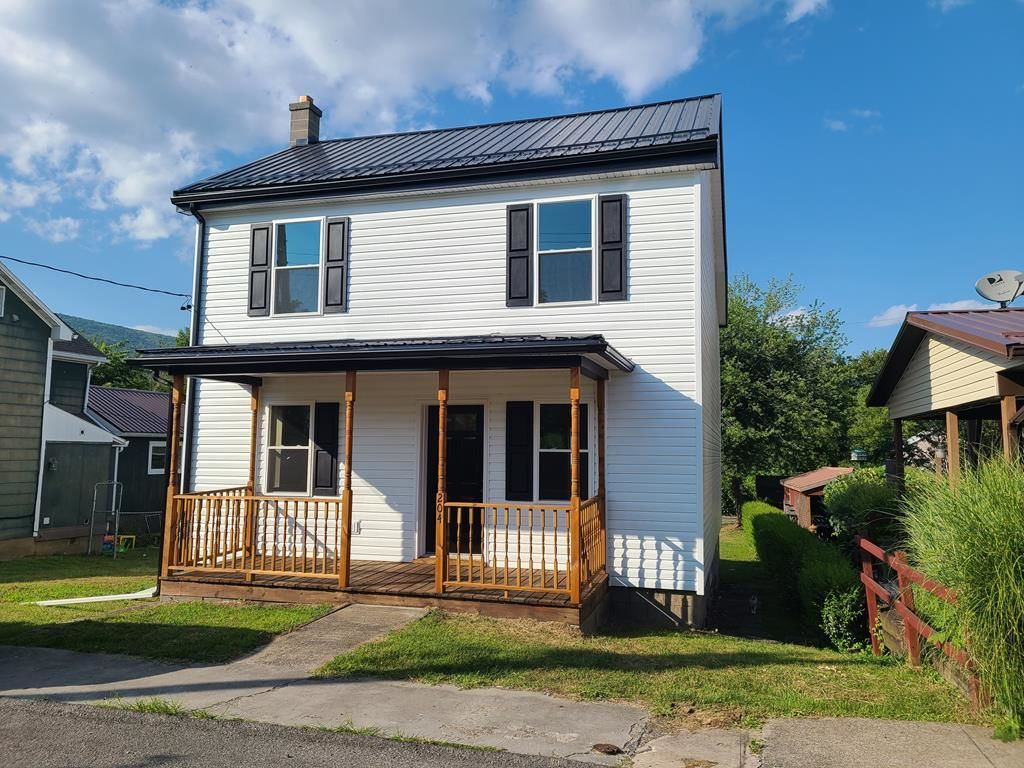 Remodeled 3-Bedroom House In Mount Union