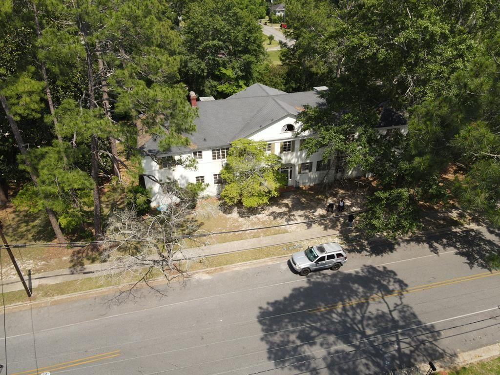 Multi-Family Home In Winona Heights
