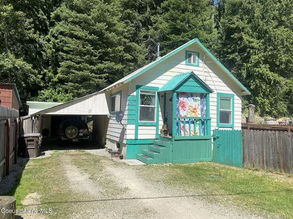 Updated 2-Bedroom House In Wallace