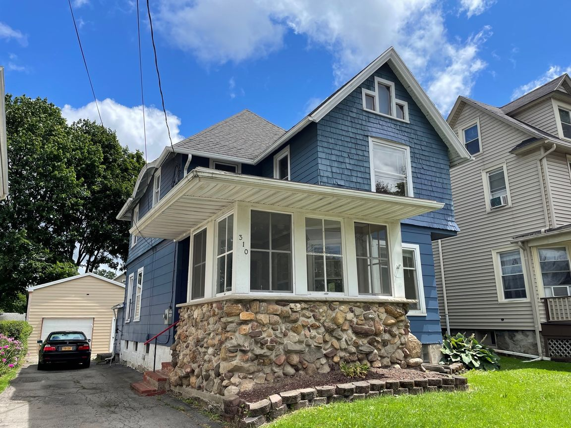 1830 SqFt House In East Rochester