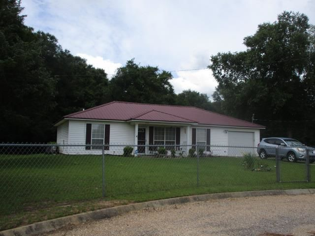 1205 SqFt House In Country Acres
