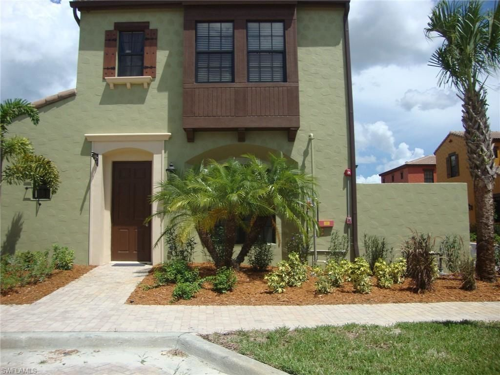 2005 SqFt Townhouse In Paseo