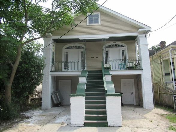Multi-Family Home In Mid City