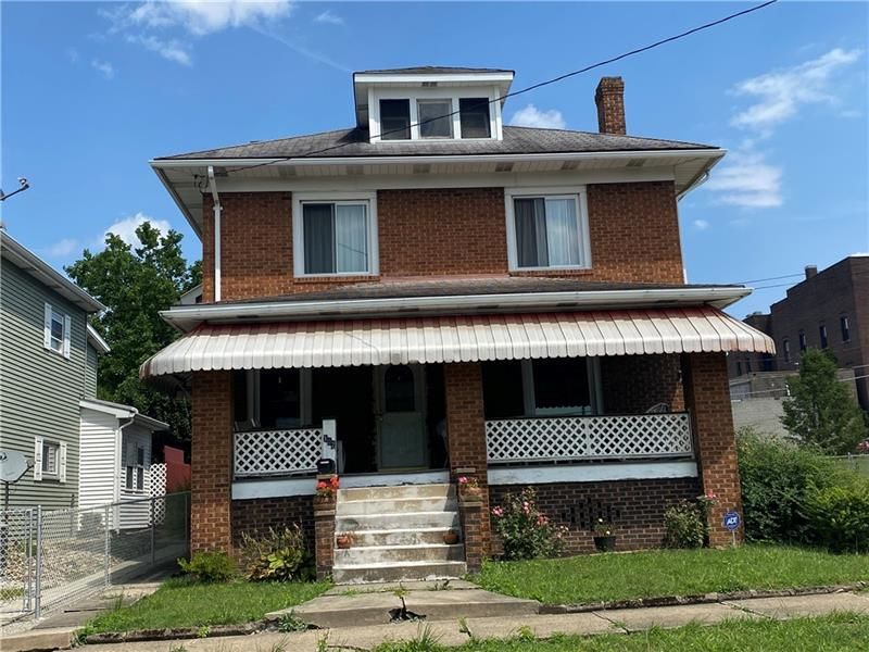 2-Story House In Masontown