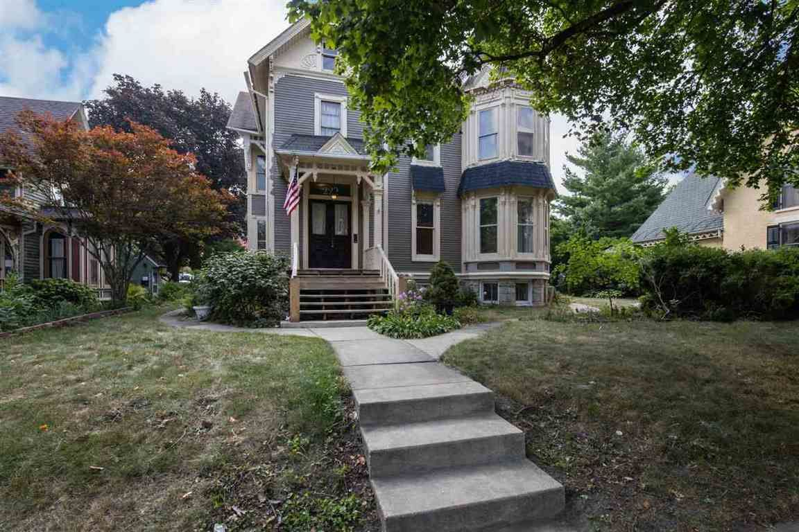 1739 SqFt House In Haight Village Historic District