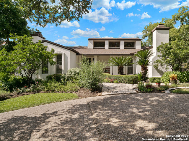 Remodeled 4-Bedroom House In Terrell Hills