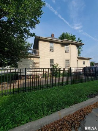 2-Bedroom House In East Moline