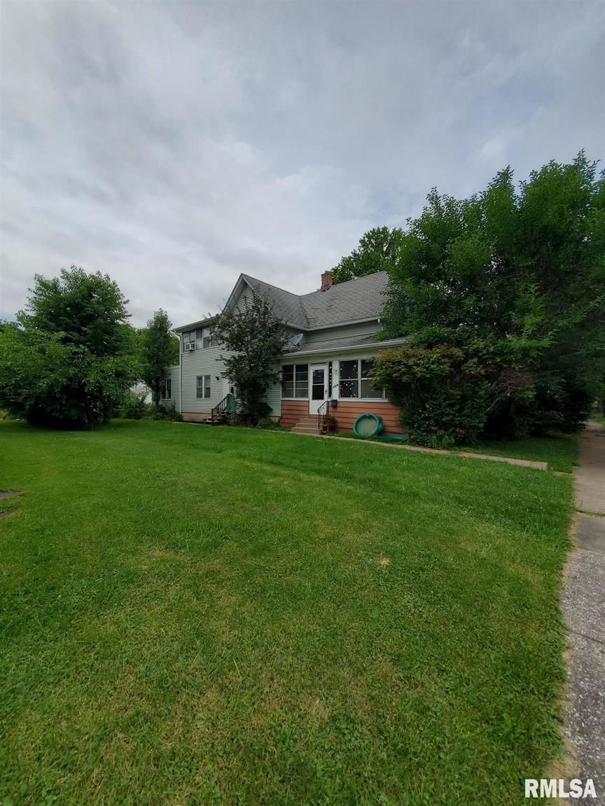 Multi-Family Home In Uptown Moline