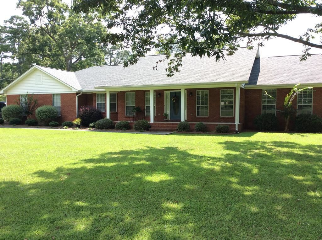 Renovated 3-Bedroom House In Luverne
