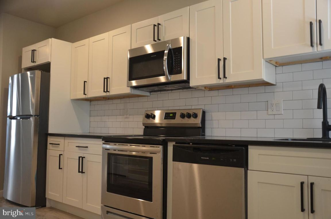 Renovated 3-Bedroom House In Grays Ferry