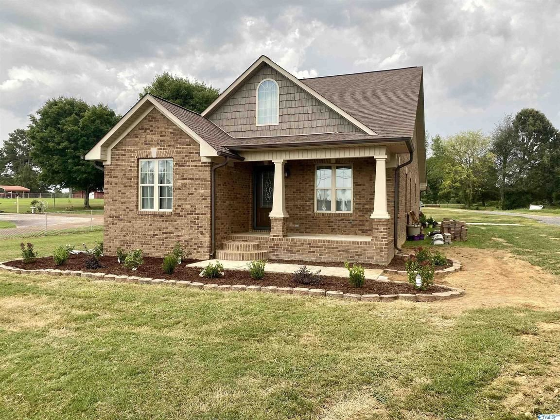 1674 SqFt House In Athens