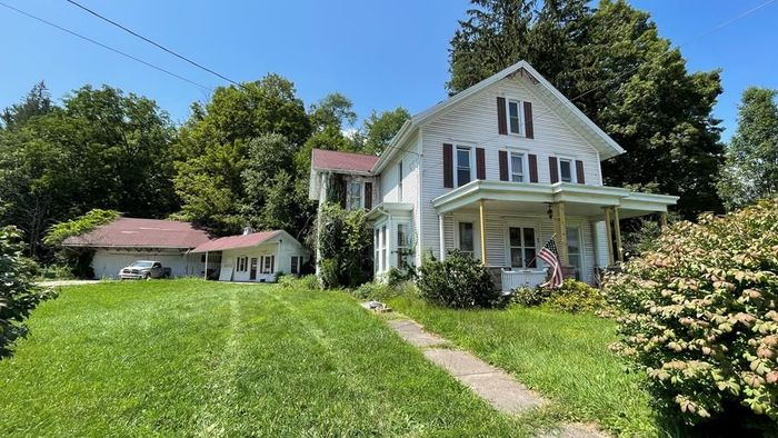 Remodeled 4-Bedroom House In New Albany