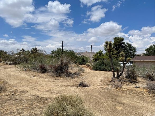 Lot In Yucca Corral Acres