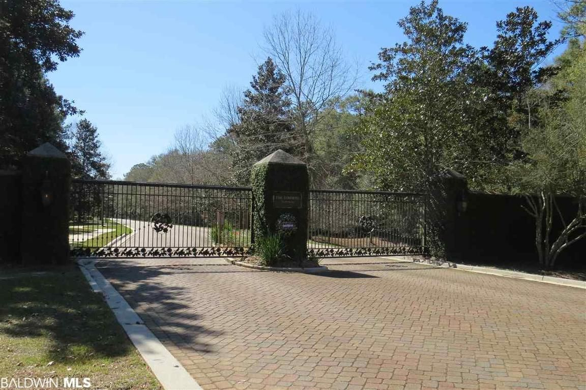 Private Lot With Fireplace