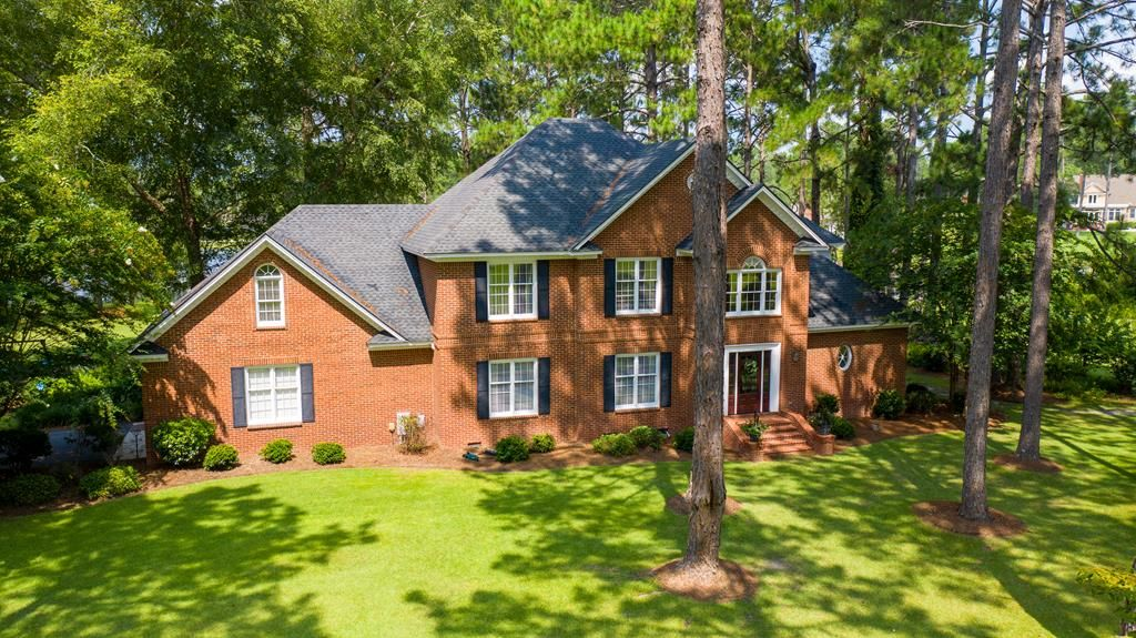 4-Bedroom House In Forest Lakes