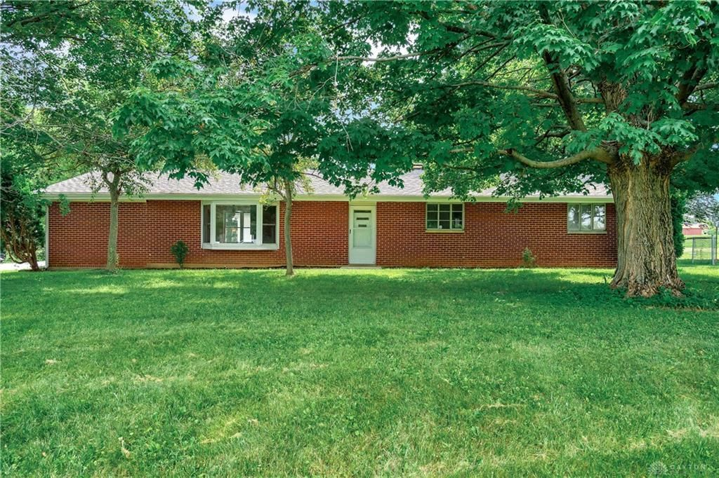 Updated 4-Bedroom House In Terry Acres