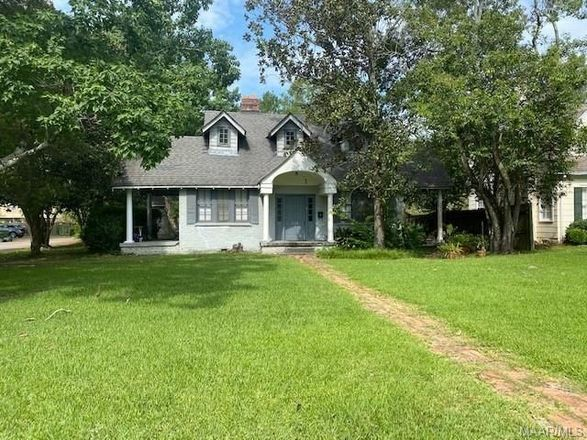 Multi-Family Home In Old Cloverdale