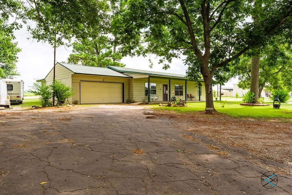 2-Bedroom House In Eustace