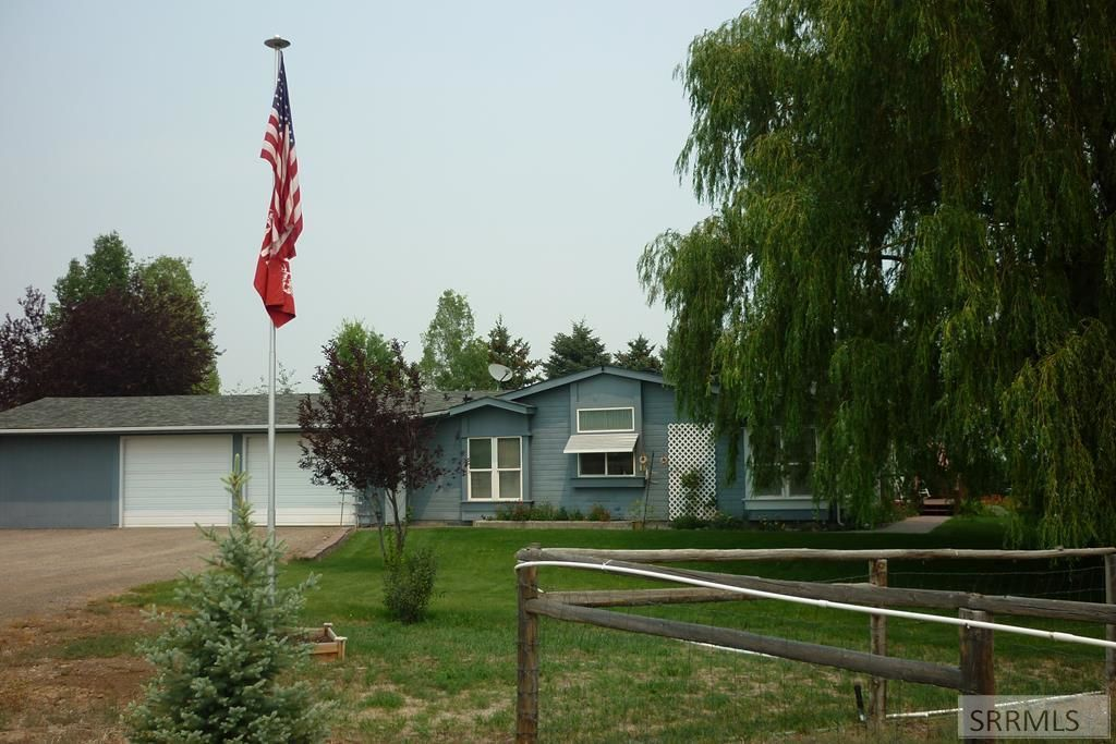 2560 SqFt Mobile Home In Challis