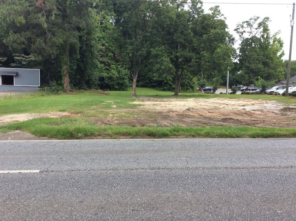 Lot In Luverne