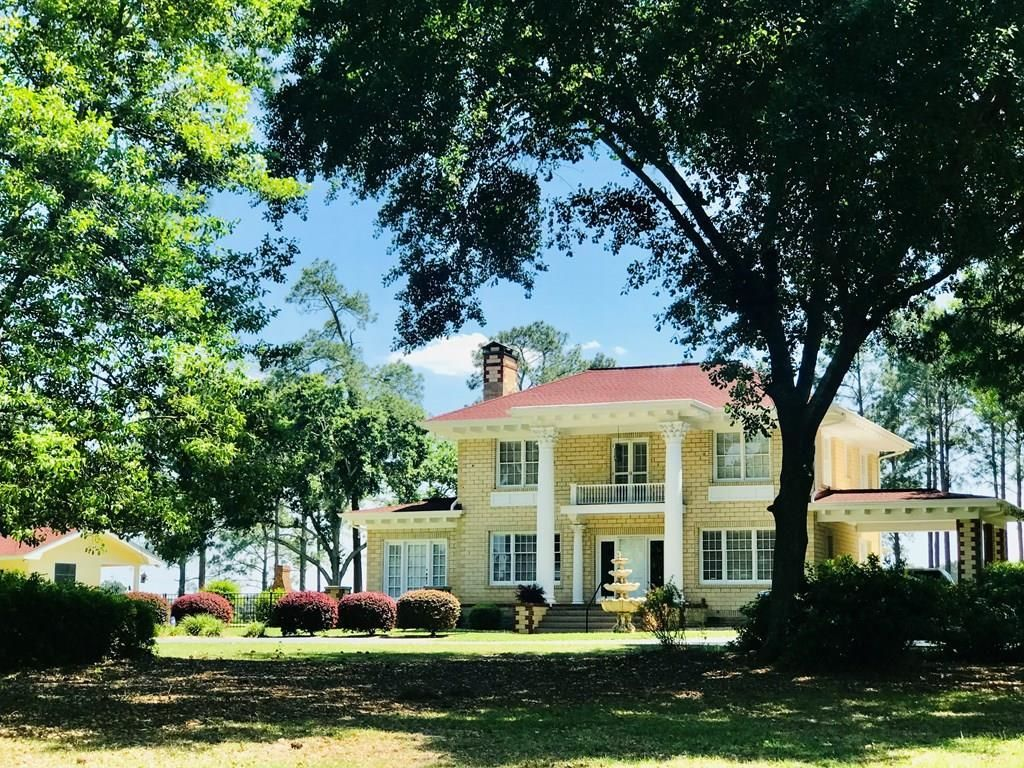 2-Story House In Moultrie