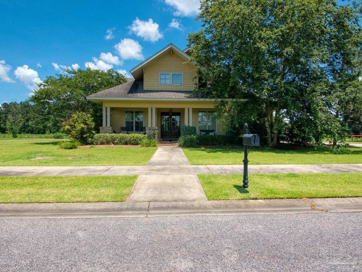 Stately 4-Bedroom House In Atmore