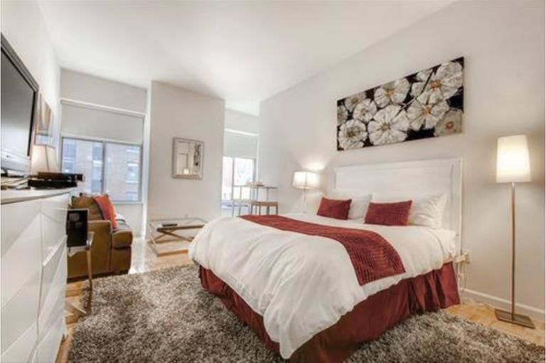 Sophisticated 1-Bedroom House In Financial District