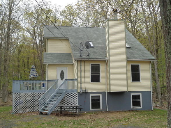 2-Story House In Dingmans Ferry