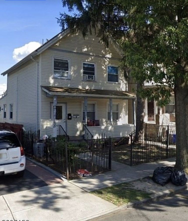 4-Bedroom House In Forest Hill