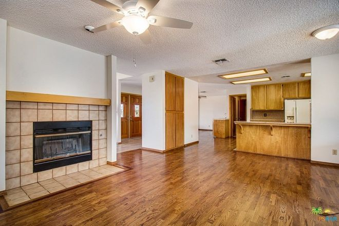 Updated 5-Bedroom House In Yucca Valley