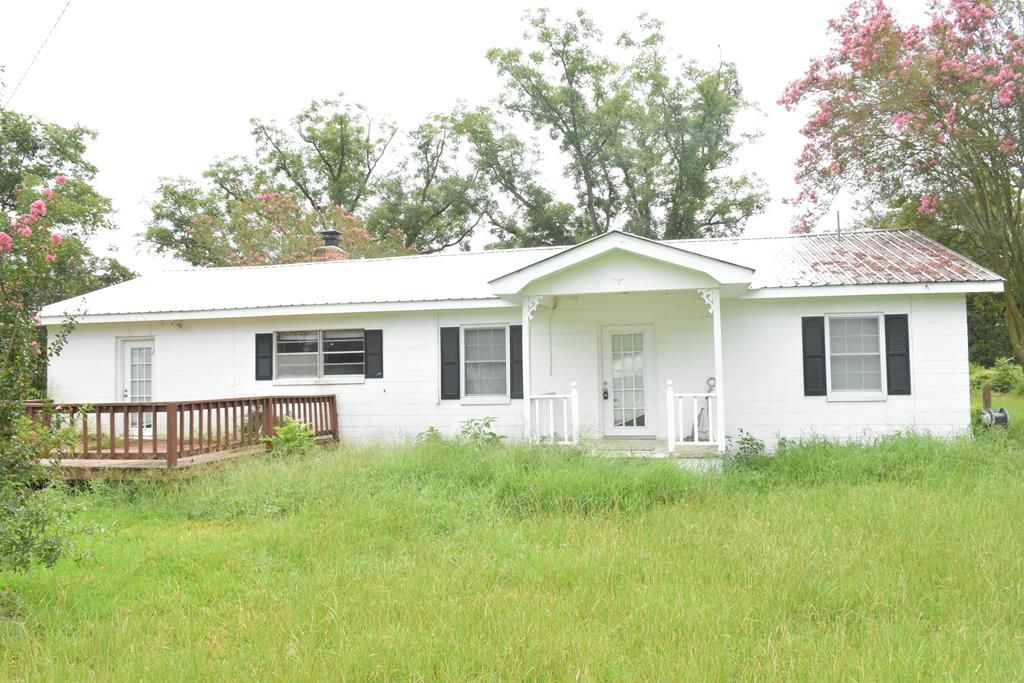 Remodeled 2-Bedroom House In Collins