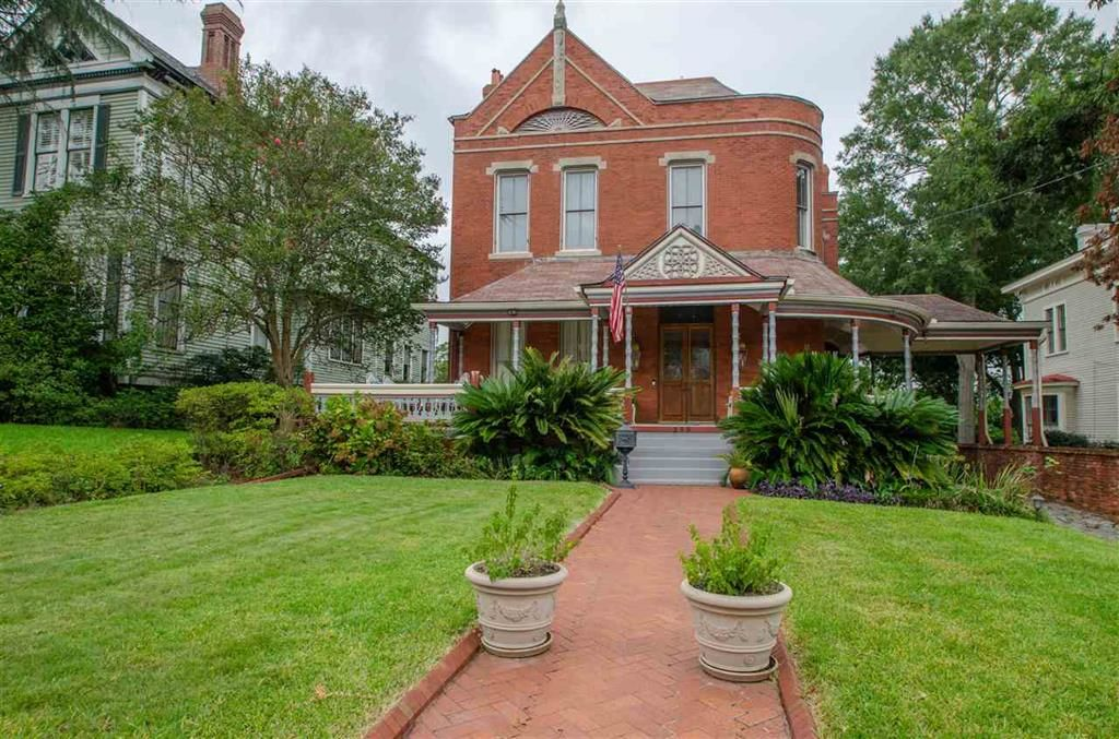 Renovated 6-Bedroom House In College Hill
