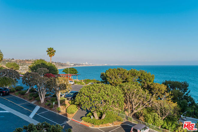 Updated 2-Bedroom Condo In Pacific Palisades