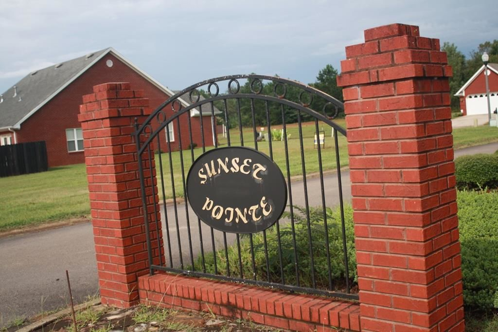 Lot In Sunset Pointe