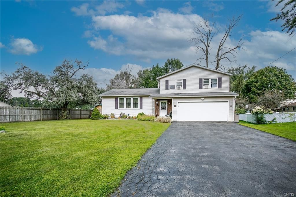 Renovated 4-Bedroom House In North Syracuse