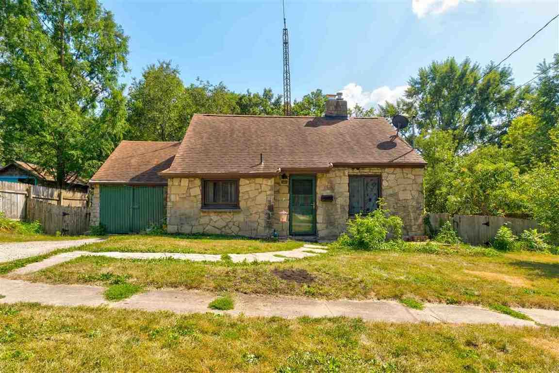 Updated 2-Bedroom House In Lucas Farms
