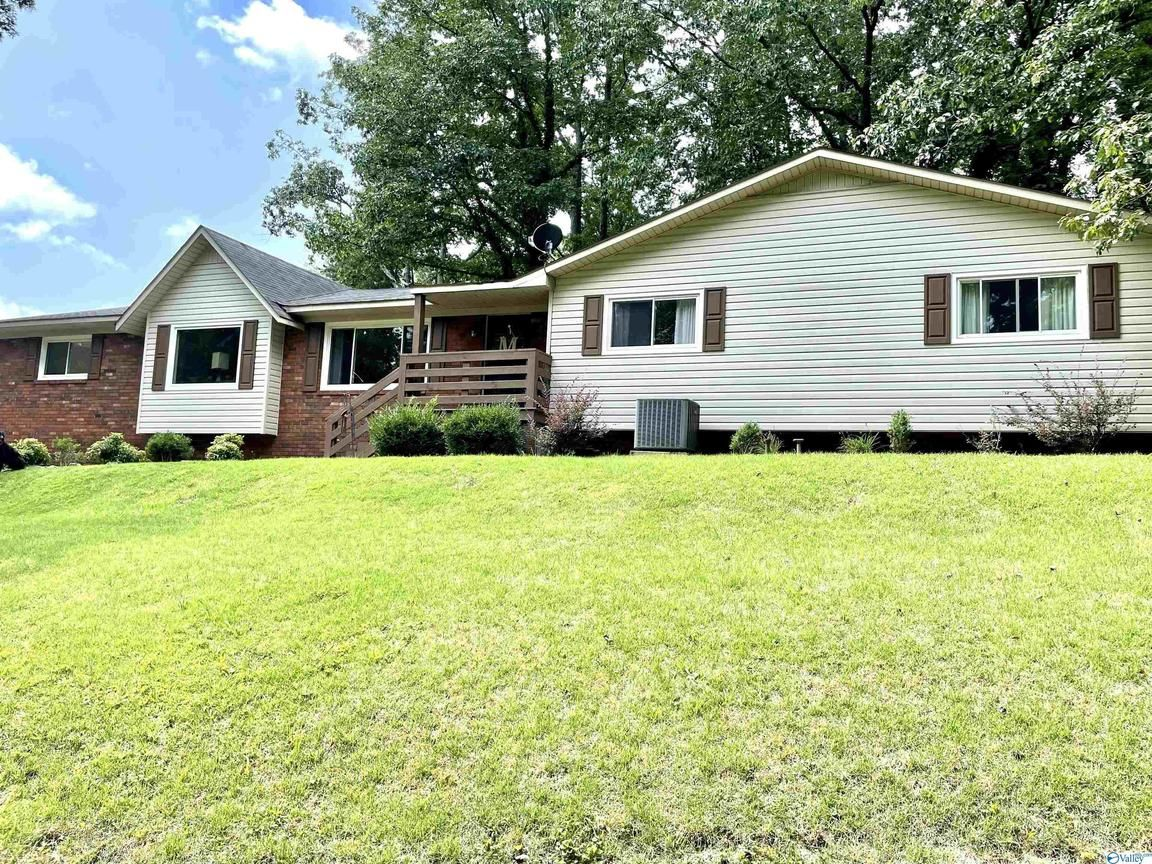 Updated 3-Bedroom House In Fort Payne