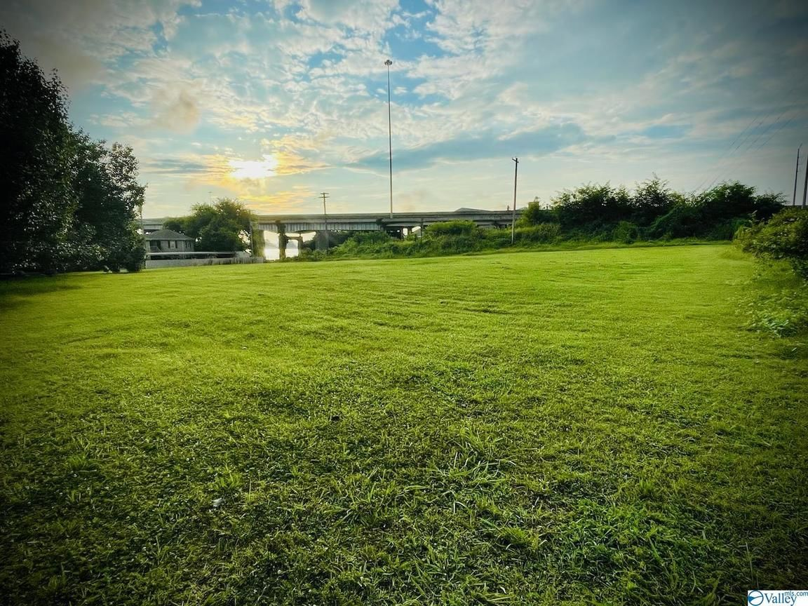 Lot In Riverfront