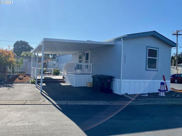 Updated 2-Bedroom House In Southgate