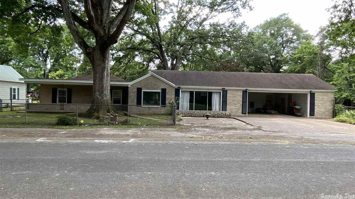 House In Bald Knob Town